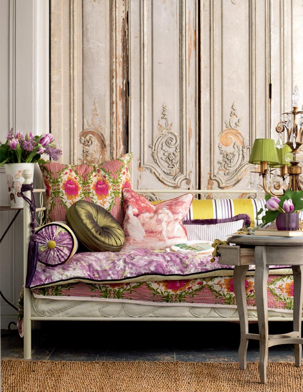 A fifo wife interiors a little bit of vintage french for Bohemian style daybed